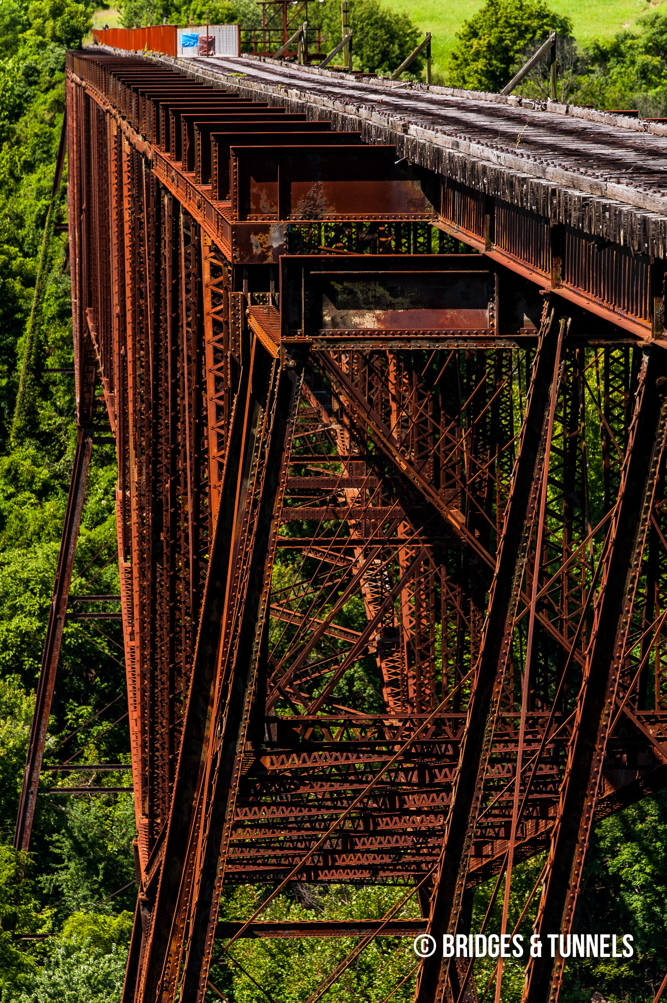 Young's High Bridge - Bridges and Tunnels